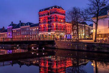 Poelebrug und Nationaldenkmäler auf der Schuitendiep in Groningen von Harmen van der Vaart