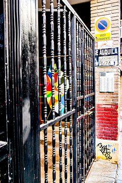 Madrid - Kunst achter een hek van Wout van den Berg