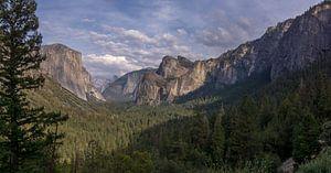 Yosemite NP - uitkijk over de vallei