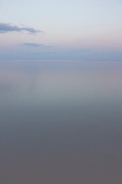 Spiegel van pasteltinten - Ionische zee van Jeanine Verbraak