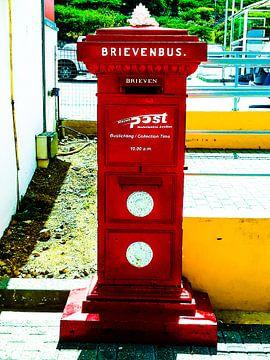 Rode brievenbus von