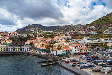 Blick auf Camara de Lobos auf der Insel Madeira, Portugal von Rico Ködder