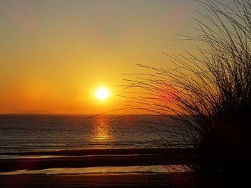 Zonsondergang op Ameland van Jasper Bloemsma