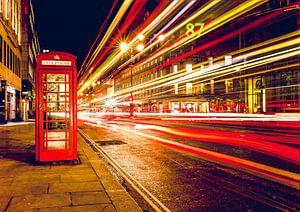 Telefooncel bij nacht , Londen, Verenigd Koninkrijk