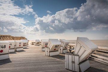 Plattform mit Strandkörben am Roten Kliff in Kampen, Sylt von Christian Müringer