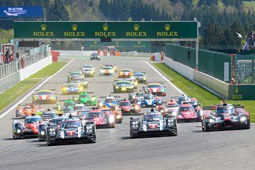 Start van de zes uur van Spa in 2016 van het FIA-wereldkampioenschap Endurance in Spa-Francorchamps. van Sjoerd van der Wal
