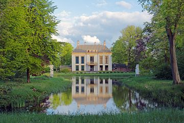 Huis Nijenburg op landgoed Nijenburg te Heiloo van