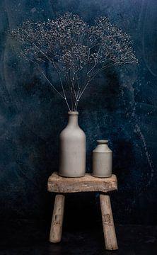 Zilveren Gipskruid in oude Grespotjes.