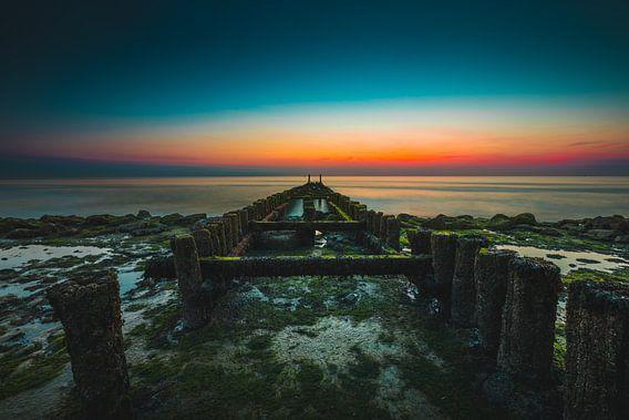 Westkapelle paalhoofden zonsondergang