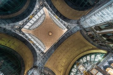 stationplafond symetrie van Brian Morgan