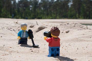 Lars maakt foto van goudzoeker van Ilze de Meer