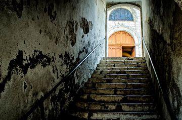 Trappen naar de kerk deur van Gabsor Fotografie
