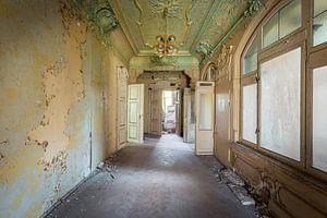 Korridor in einer verlassenen Villa