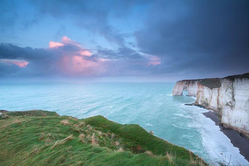 Cliff and ocean van Olha Rohulya
