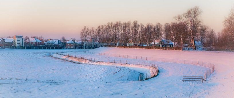 Empelse Dijk in de sneeuw van Ingeborg Ruyken