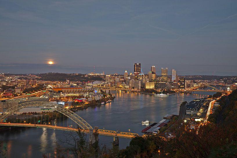 Pittsburgh - full moon rising van Sander Knopper