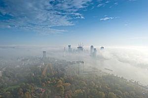 Mistflarden over Rotterdam