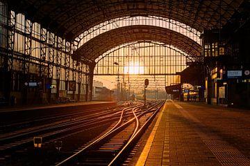 coucher du soleil La gare Haarlem sur Anton de Zeeuw