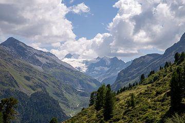 Mooriger Gletscher aus den Bergen bei Grimentz