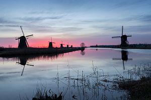 Molens Kinderdijk bij zonsopgang van