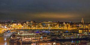 Avondzicht op Amsterdam van