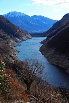 Lago di Vogorno - Ticino - Zwitserland van Felina Photography