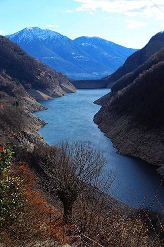 Lago di Vogorno - Ticino - Zwitserland van