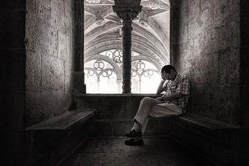 De overpeinzing, Lissabon  van Nick Hartemink
