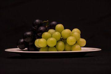 Heerlijk bord met druiven von Cilia Brandts