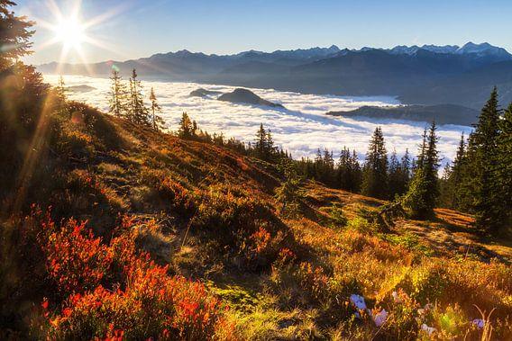 Een herfstmorgen in de bergen