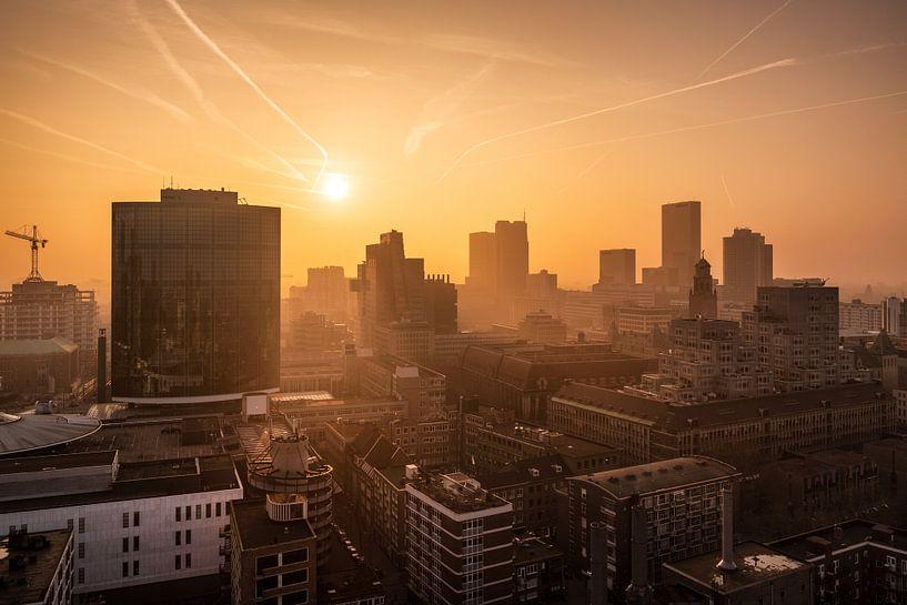 Sonnenuntergang von der Laurenskerk | Rotterdam von Menno Verheij / #roffalove
