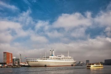 De SS Rotterdam sur