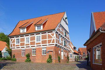 An Old Warehouse in Otterndorf van Gisela Scheffbuch