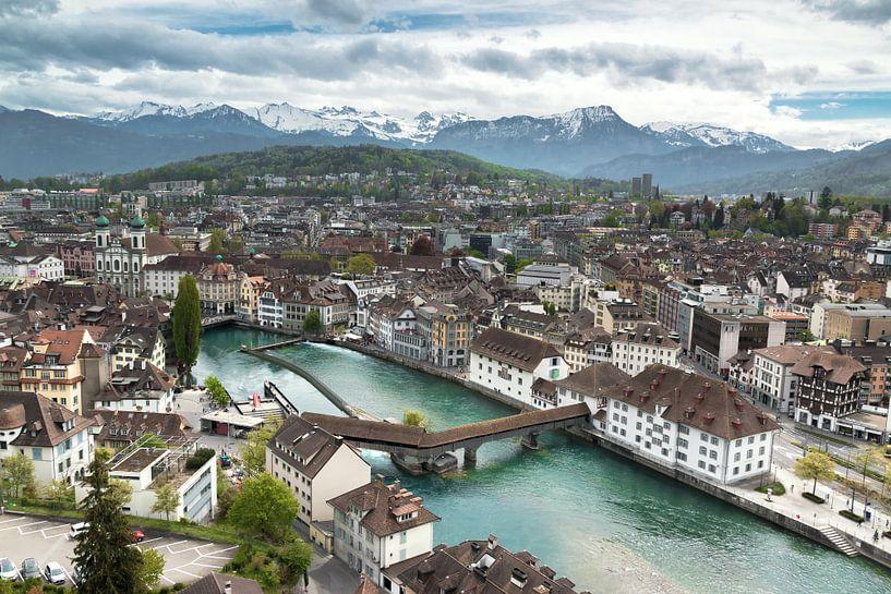 Luzern skyline van Ilya Korzelius