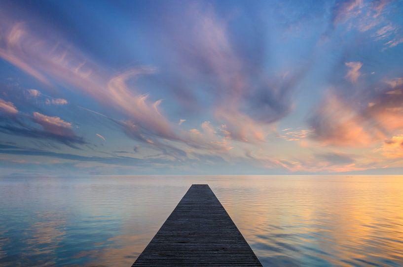 Sunset in Blue & Orange van Martijn van der Nat