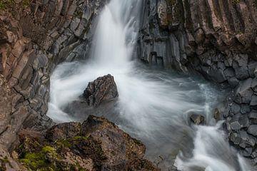 Klukkufoss in west IJsland II von Gerry van Roosmalen