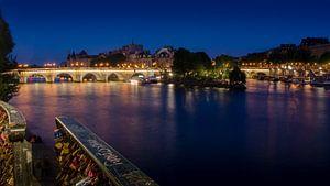 Ile de la Cité met Pont Neuf bij nacht. van
