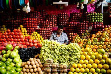 Fruitverkoper in Zuid-India van Marvin de Kievit