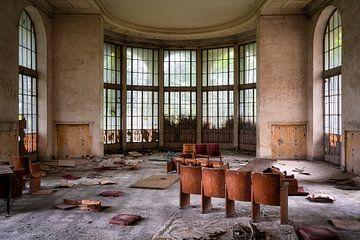 Verlassenes Theater im Verfall. von Roman Robroek