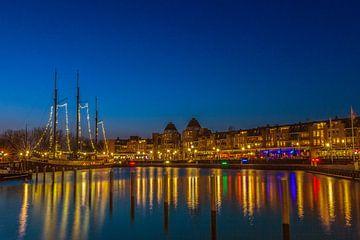 Avondfoto in havenkom van Almere-Haven. van ingrid schot