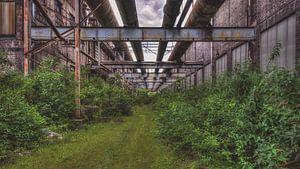 Het eindeloze pad in een industriële omgeving. van