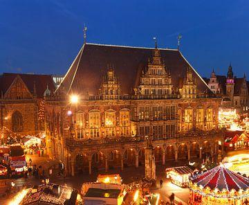 Altes Rathaus  und Weihnachtsmarkt am Marktplatz bei Abendd�mmerung, Bremen, Deutschland    I  City