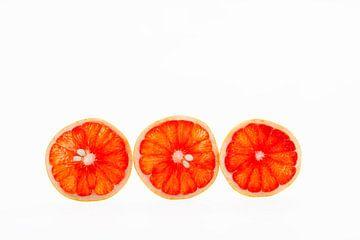 Grapefruit oranje van Anne-Marie Heesakkers