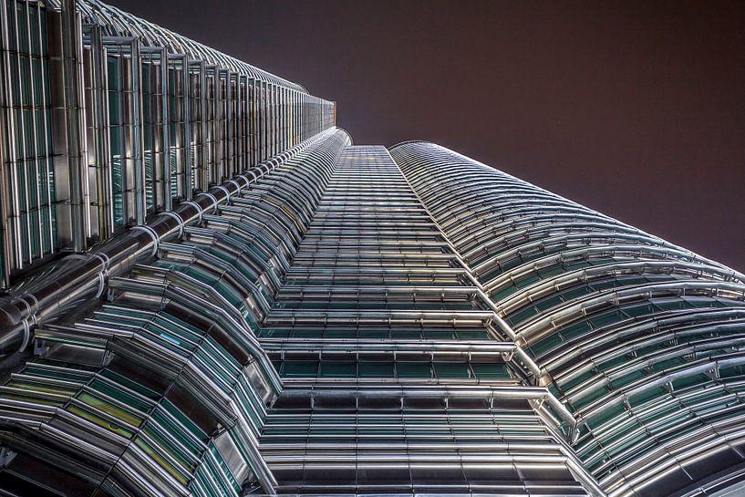 De Petronas Towers van Roy Poots