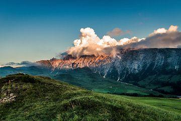 Alpenglühen auf der Seiser Alm von Martina Weidner