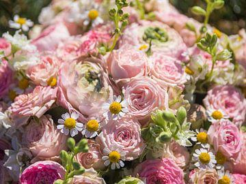 Close up van bloemen van Andy Midside