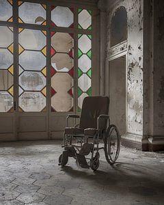 Rolstoel in verlaten ziekenhuis