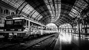 Trein in Barcelona van Rick Wiersma