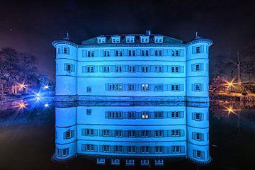 Das blaue Wasserschloß von Uwe Ulrich Grün