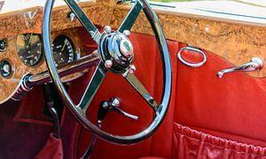 Dertiger jaren Bentley stuurwiel en dashboard. De auto is te zien tijdens de Classic Days 2014 op Sc